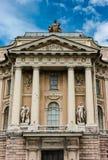 圣彼得堡-艺术的学院 免版税库存照片