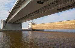 圣彼得堡洪水预防设施复合体 免版税库存照片