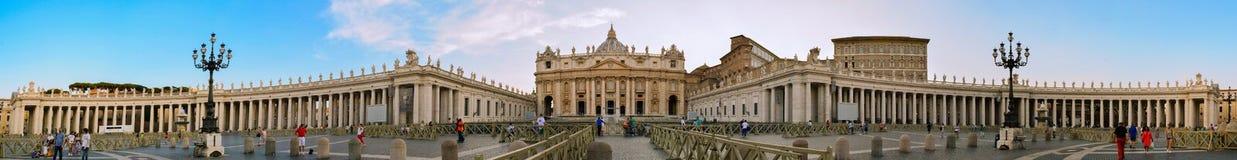 圣彼得广场在梵蒂冈 免版税库存照片