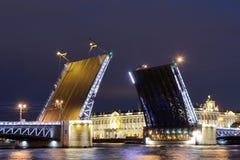 圣彼德堡吊桥  免版税库存照片