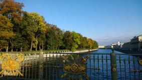 圣彼德堡在秋天 免版税库存图片