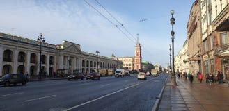 圣彼德堡市杜马在阳光圣彼德堡下 免版税库存照片