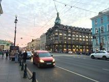 圣彼德堡美丽如画的地方  俄罗斯的旅游珍珠的街道 库存照片