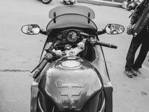 圣彼德堡,俄罗斯, 06 08 2017年:在圣彼德堡街道上的摩托车  免版税库存图片