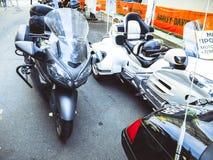 圣彼德堡,俄罗斯, 06 08 2017年:在圣彼德堡街道上的摩托车  免版税图库摄影