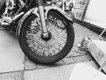圣彼德堡,俄罗斯, 06 08 2017年:在圣彼德堡街道上的摩托车  图库摄影