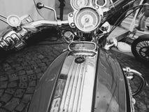 圣彼德堡,俄罗斯, 06 08 2017年:在圣彼德堡街道上的摩托车  库存照片