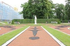 圣彼德堡,俄罗斯- 2014年7月10日:凯瑟琳宫殿公园Tsarskoye Selo 免版税图库摄影
