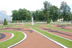 圣彼德堡,俄罗斯- 2014年7月10日:凯瑟琳宫殿公园Tsarskoye Selo 免版税库存照片
