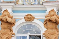 圣彼德堡,俄罗斯- 2014年7月10日:凯瑟琳宫殿,位于Tsarskoye Selo镇  免版税图库摄影