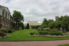 圣彼德堡,俄罗斯- 2014年7月10日:喀麦隆画廊在凯瑟琳公园在Tsarskoe Selo 库存图片