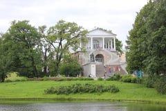 圣彼德堡,俄罗斯- 2014年7月10日:喀麦隆画廊在凯瑟琳公园在Tsarskoe Selo 免版税图库摄影