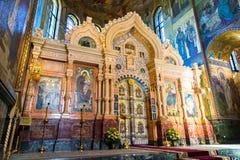 圣彼德堡,俄罗斯- 2017年6月6日 圣障在救主基督的复活教会血液的或大教堂里  免版税库存照片