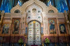 圣彼德堡,俄罗斯- 2017年6月6日 圣障在救主基督的复活教会血液的或大教堂里  免版税库存图片
