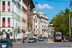 圣彼德堡,俄罗斯- 6月04 2017年 街道Kronverksky大道全视图  免版税库存图片