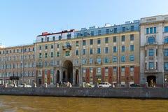 圣彼德堡,俄罗斯- 6月04 2017年 计数Tolstoy有益的房子在Fontanka河的堤防的 库存照片