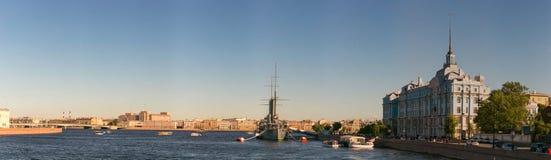 圣彼德堡,俄罗斯- 2017年6月28日:巡洋舰极光,船博物馆在圣彼德堡 免版税库存图片