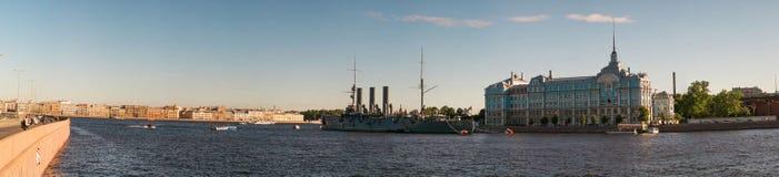 圣彼德堡,俄罗斯- 2017年6月28日:巡洋舰极光,船博物馆在圣彼德堡 免版税图库摄影