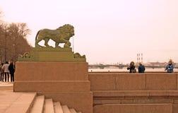 圣彼德堡,俄罗斯建筑学  内娃河堤防 库存照片