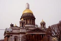 圣彼德堡,俄罗斯建筑学  圣徒Isaak ` s大教堂 免版税库存照片