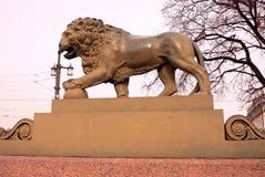 圣彼德堡,俄罗斯建筑学  微暗的狮子 库存图片