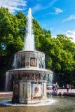 """圣彼德堡,在联合国科教文组织包括的RUSSIThe Peterhof宫殿"""" 库存图片"""