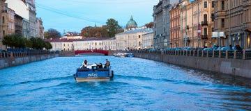 圣彼德堡 俄国 在Moyka河的小船 库存照片