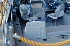 圣彼德堡 俄国 05 18 2018年 小船,操舵室管理的内部 免版税图库摄影