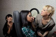 圣彼德堡/俄罗斯联邦- 2012年11月30日:美好的深色的女孩模型 免版税库存图片