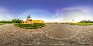 圣彼德堡- 2018年:古铜色御马者 空白的晚上 蓝天 3D有360视角的球状全景 为真正准备 免版税库存图片