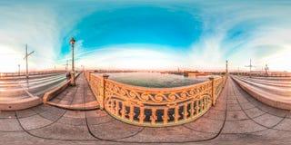 圣彼德堡- 2018年:观点的内娃 空白的晚上 蓝天 3D有360视角的球状全景 为真正准备 库存图片