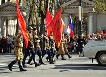 圣彼德堡- 5月9 :游行致力胜利天 免版税库存照片
