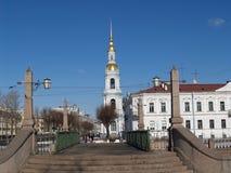 圣彼德堡 海大教堂的Nikolsky的belltower 图库摄影