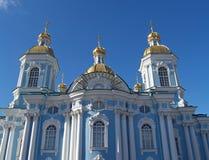 圣彼德堡 Nikolsky反对天空的海大教堂 免版税库存图片