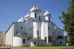 圣徒一个晴天的索菲娅大教堂在7月 假定招标veliky教会的novgorod 库存照片