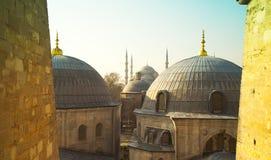 圣徒从圣徒苏菲伊斯坦布尔土耳其的苏菲大教堂圆顶  库存照片