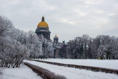 圣徒以撒的大教堂或Isaakievskiy Sobor 库存照片