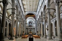 圣徒劳伦斯,佛罗伦萨,意大利教会的内部看法  免版税库存图片