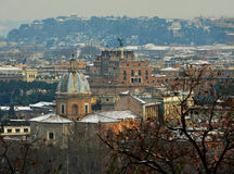 圣徒在雪之下的天使城堡 免版税库存照片