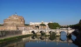 圣徒安吉洛桥梁和城堡 免版税图库摄影