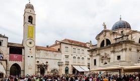 圣徒布勒斯钟楼和教会在杜布罗夫尼克` s老镇, 库存照片