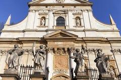 圣徒彼得和保罗教会,门面,克拉科夫,波兰细节  库存照片