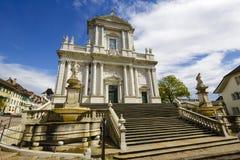 圣徒熊属类大教堂在索洛图恩,瑞士 免版税库存图片