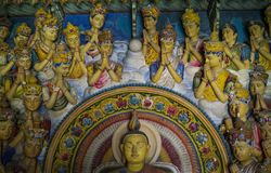圣徒美好的古老雕塑圣洁佛教寺庙的 免版税库存图片