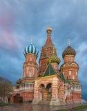 圣徒蓬蒿` s大教堂在红场在莫斯科,俄罗斯 图库摄影