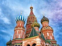 圣徒蓬蒿` s大教堂在红场在莫斯科,俄罗斯 免版税库存照片