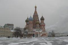 圣徒蓬蒿` s大教堂在莫斯科 免版税库存图片