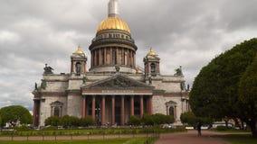 圣徒以撒圣徒以撒` s正方形的` s大教堂在圣彼得堡 股票视频