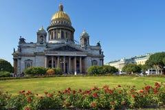 圣徒以撒大教堂在圣彼德堡,建筑师Auguste de Montferrand 免版税库存照片