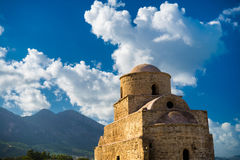 贴水(圣徒) Evlalios被放弃的教会 凯里尼亚区,塞浦路斯 免版税库存图片